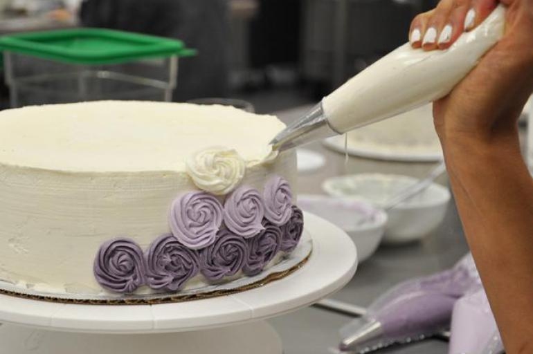 Beginner Cake Decorating Center For Continuing Education